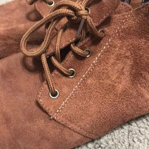 Shoes - New condition brown suede shoes